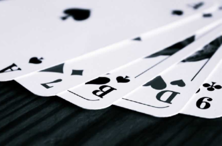 Can I install a real rummy online app on any OS?