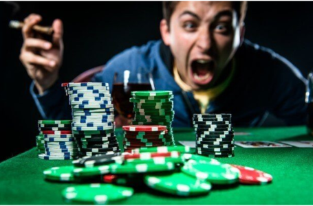 Five distractions to avoid while playing poker